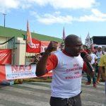 Manifestantes realizam bloqueios em importante via de Aracaju