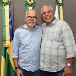 Edvaldo apresenta a Padre Inaldo projeto da Perimetral Oeste