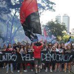 Brasileiros preferem democracia a qualquer outra forma de governo