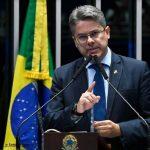 Senador Alessandro Vieira quer convocar Anvisa e Butantan para explicar vacinas