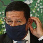 """""""Vamos confiar na palavra dele"""", diz Mourão sobre importação da Índia"""