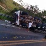 Caminhoneiro morre em acidente na BR-101