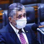 Bolsonaro anuncia revogação de decreto sobre o SUS; oposição comemora