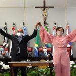 Edvaldo e Katarina são empossados prefeito e vice-prefeita